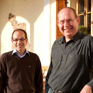 Die Zwei Brüder Karl-Hans und Harald Poss verstehen sich blendet auf Burgunderrebsorten besonders den Grauburgunder