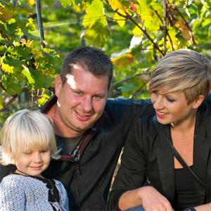 Josef Christian Tesch mit seiner Familie