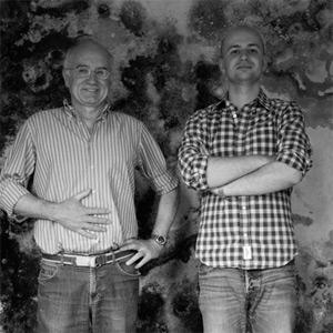 Vater und Sohn auf ihrem Weingut