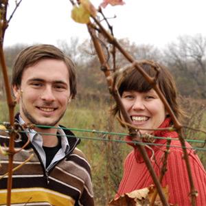 Georg und Sylvia Prieler in ihrem Weingarten